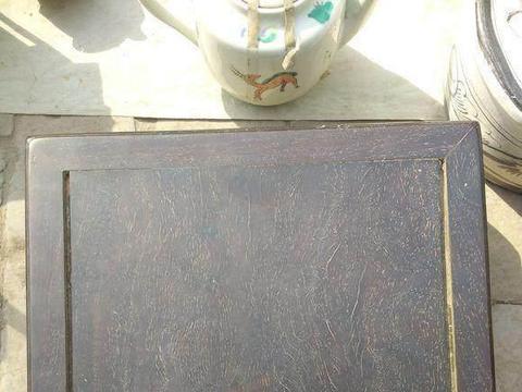 他花了500块钱捡漏的小叶紫檀方桌,竟是老古董!