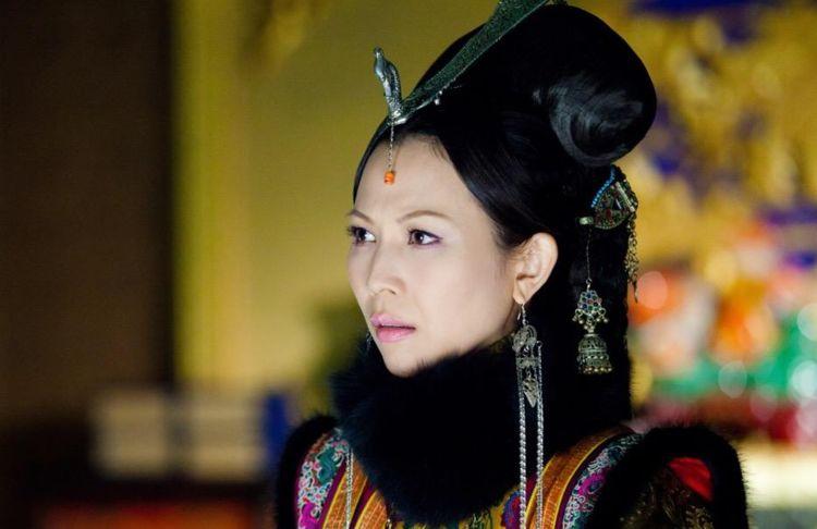 历史上的哲哲皇后,开辟了清朝皇后制度先河,后半生安享晚年