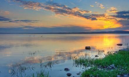 无论身处何等境遇,我们每个人心中都应有一片瓦尔登湖