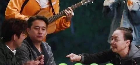 黄磊参加两档黄金综艺,一个懒得说话一个热情如火,原因让人心酸