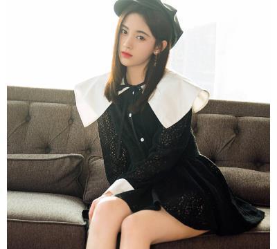 鞠婧祎COS水兵月造型,水手服配黄色假发,被网友调侃像女装大佬