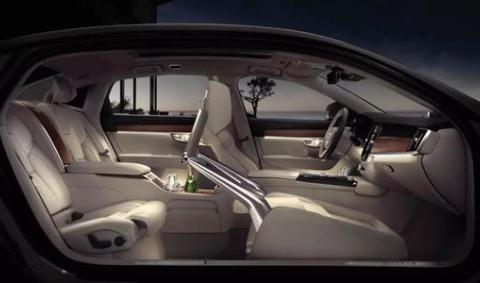 最新上市的一款中型车?二十多万的沃尔沃S60震撼来袭!
