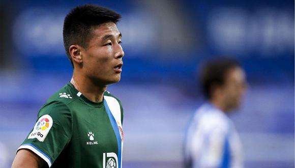 抱着学习态度出国踢球,武磊奋力追梦不停歇