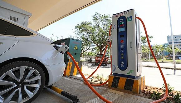 """新能源汽车产业迎新机遇:下半年销量或现""""U""""型反转,充电桩行业潜力大"""