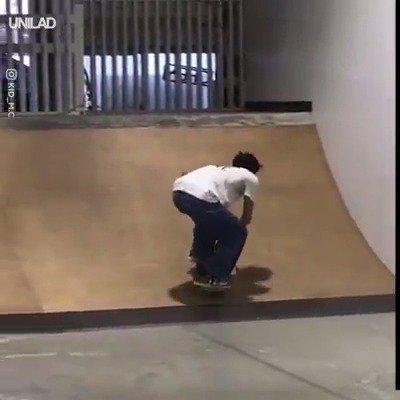 盲人小哥玩儿滑板,让人敬佩的热血........