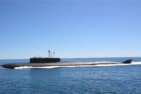 家丑不可外扬 美军双航母进入南海演练 舰载机缘何离奇坠毁?