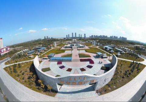 """中国花上万亿建的""""鬼城"""",预计容纳百万人,10年过去现在如何?"""