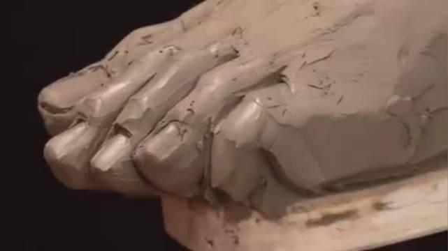 美国雕塑家Philippe Faraut的作品,手脚上的肌肉、筋脉、骨骼..