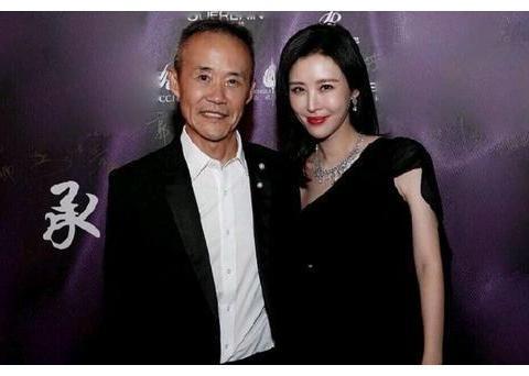 苏芒暗恋的王石却选择了田朴珺,田小姐比邓文迪和章泽天强在哪?