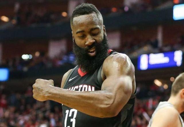 NBA史上肌肉最强壮阵容:中锋奥尼尔,小前詹姆斯,控卫非他莫属