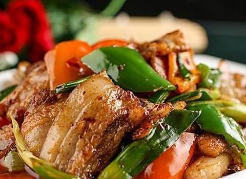 """回锅肉的美味做法,牢记""""一泡一放""""两窍门,肉片香浓更有味!"""