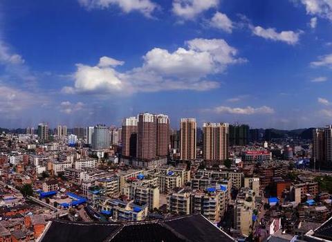 贵州曾经仅次于省会的城市,如今在省内垫底,经济发展急转直下