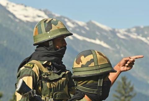 印度大举调兵边境,企图打场边境持久战?一个致命弱点已经暴露