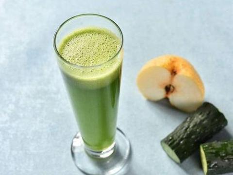 """黄瓜和它打成汁,被称为""""天然泻药"""",排出黑宿便,让你喝出A4腰"""