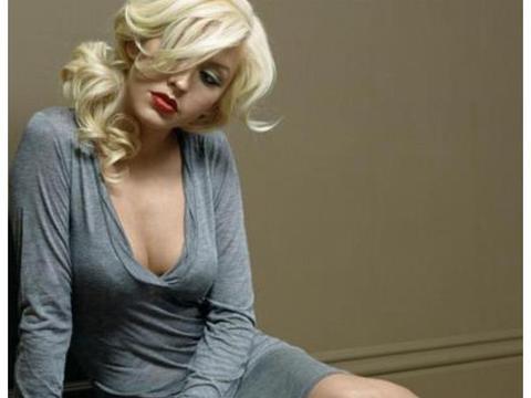 """歌手克里斯蒂娜·阿奎莱拉,传说中的乐坛""""五八""""巨星"""