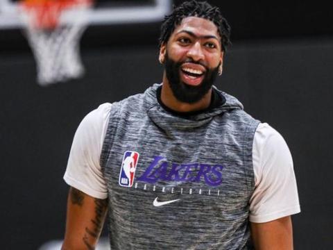 图看NBA球星停赛发型变化:浓眉西蒙斯留脏辫一人留复古爆炸头