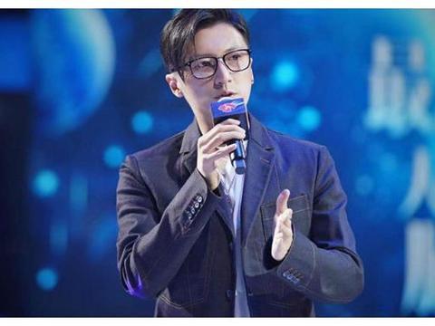 谢霆锋受邀参加《最强大脑》,六种语言秀懵选手,圈粉无数