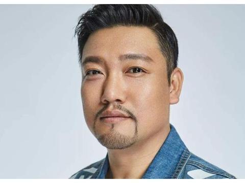 他是国家一级演员, 当兵八年立功无数, 38岁终于凭借春晚走红