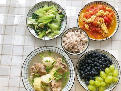 临近高考,午餐2素1荤1主食,营养更均衡,考生吃完能量满满呀
