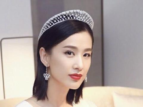 贵妇黄圣依:每年2亿零花钱的背后太悲哀?