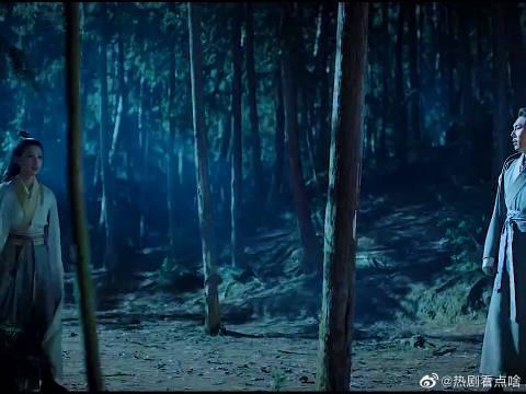 彭城王牵李沁的手一路逃跑,李沁害羞了 这个场面有点小甜哦~
