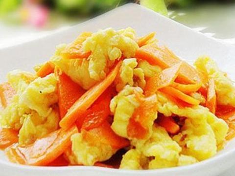 胡萝卜炒鸡蛋,泡椒莴笋肉片,宫保豆腐丁,蒜蓉酱茄子