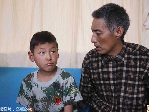 从日喀则到上海,藏区父亲跨越半个中国携子求医,随身行囊好心酸