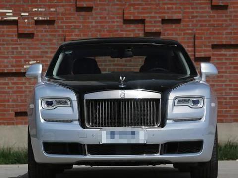 豪车界的标杆,轴距达3465mm,整车进口身份,仅450万起!