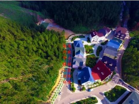 贵州一个科技化满满的小镇,被称为东方达沃斯,夏天必去的打卡地