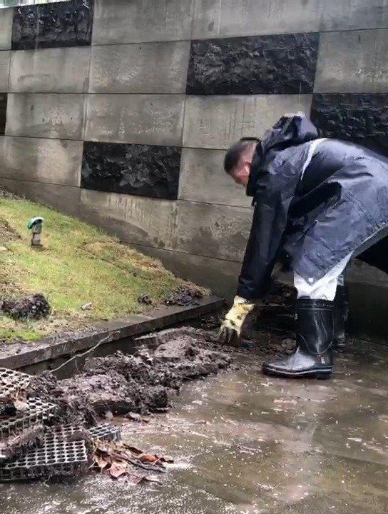 苏城暴雨突袭 水巷社区全力以赴保安全