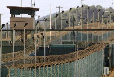 美国的关塔那摩监狱,却建在古巴,古巴和美国不是势不两立吗?