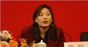 CBA第一位女主帅,曾与巩晓彬相恋9年,如今50岁单身无人问