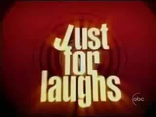 笑一笑: 纽约市削减警察局经费,制服只发上半身