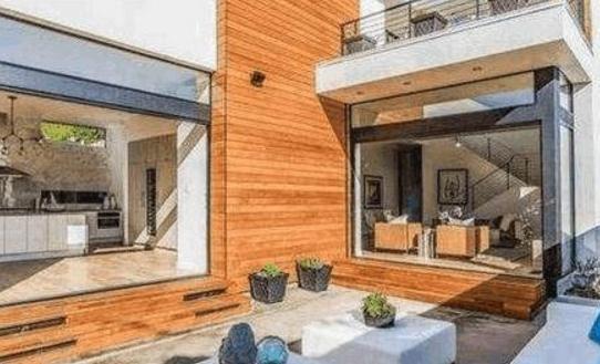 秦舒培在美国的豪宅:卫生间设计太大胆了