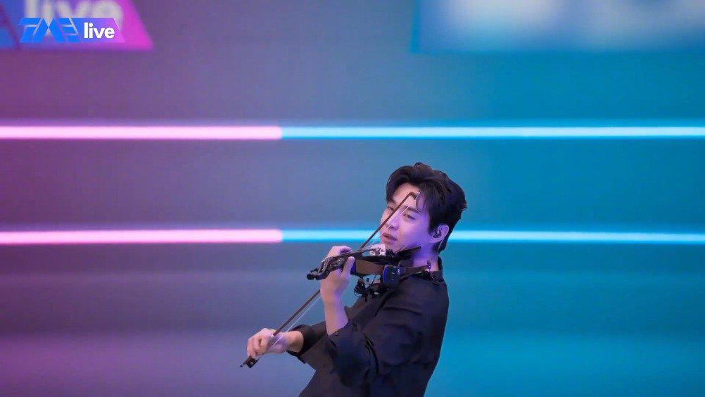 刘宪华小提琴演奏《Despacito》 古典与现代的完美融合……