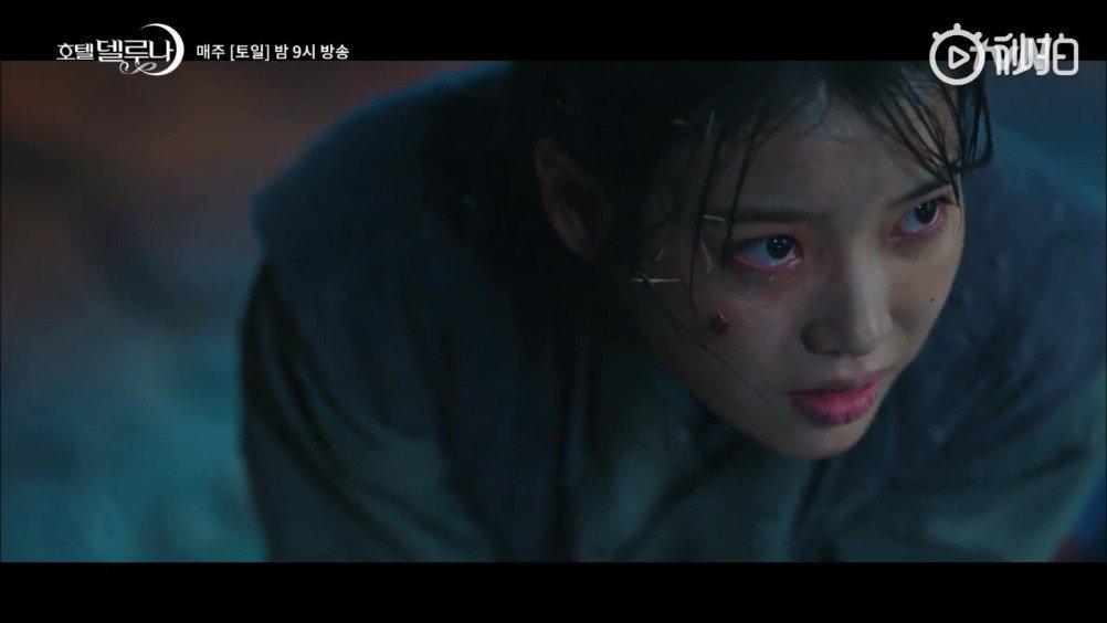 韩剧《德鲁纳酒店》中,延宇被清明利用满月的感情和信任抓住……