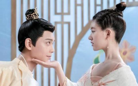 继肖战、王一博后,双男主剧流行,看到丁禹兮与他的合作,很期待