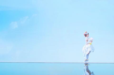 《王者荣耀》的最美新娘,小乔纯白花嫁COS