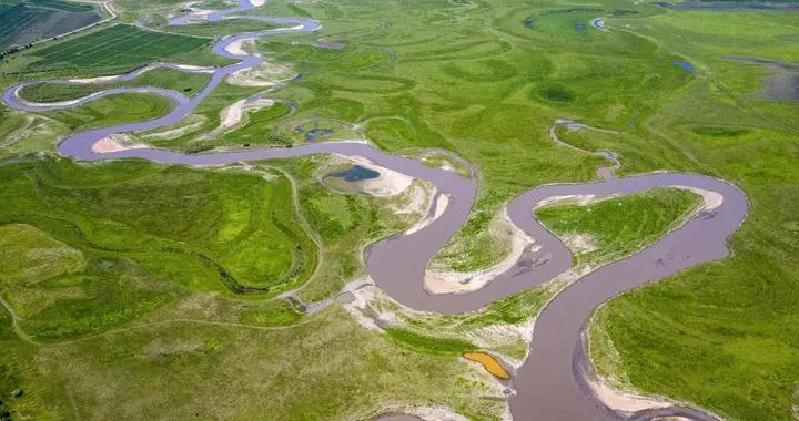 黑龙江齐齐哈尔阿伦河 夏季水草茂盛