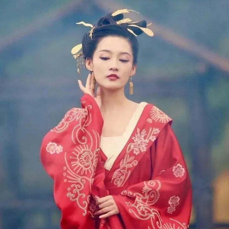 美人计   新剧黑莲花人设的李沁,是虎扑女神的新标准了