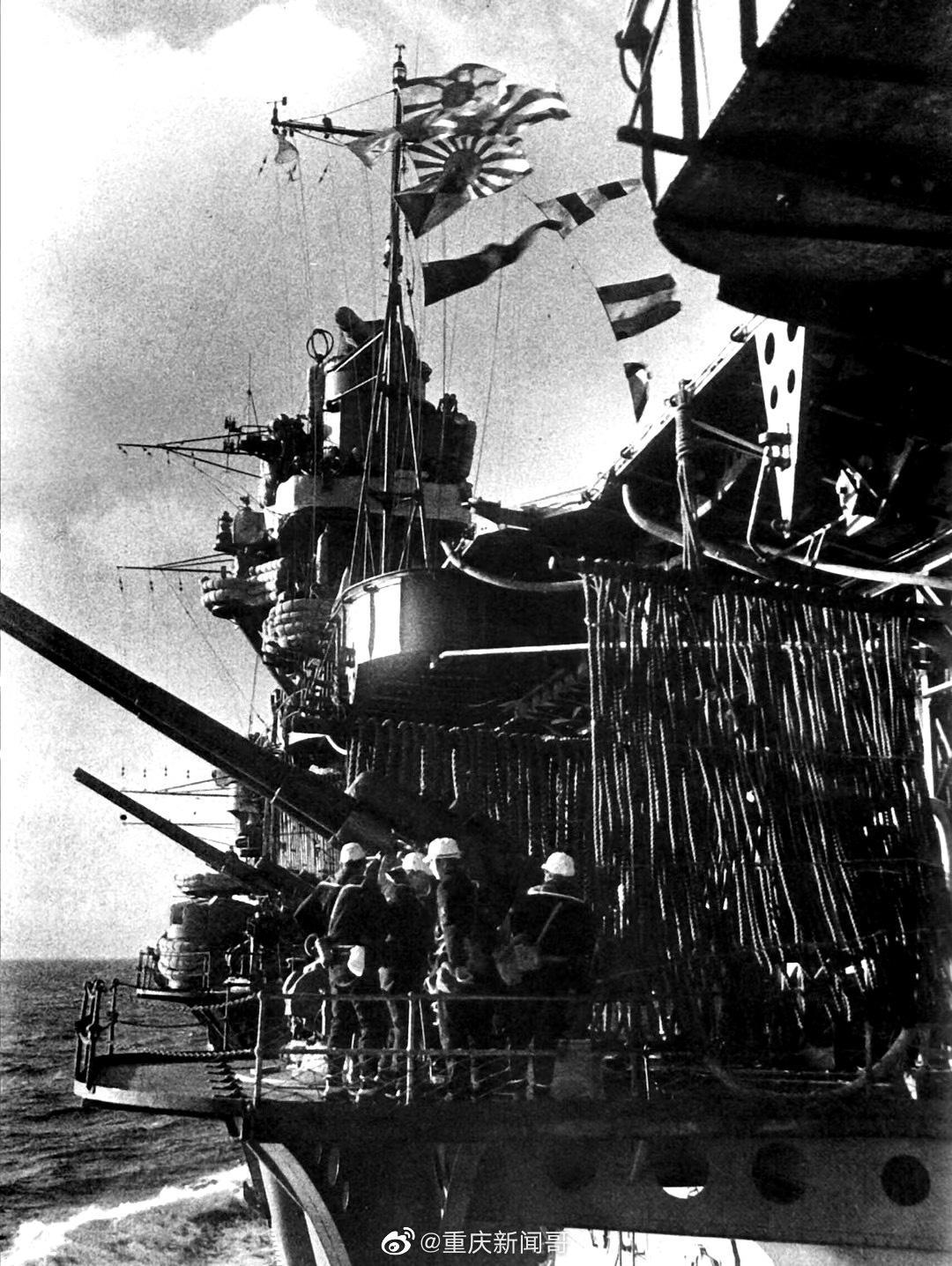 """1941年,日本航空母舰""""赤城号""""的120毫米防空火炮"""