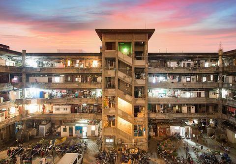 """上海烟火气""""最旺""""的地方,250户挤在一栋楼里,却没人愿意搬走"""
