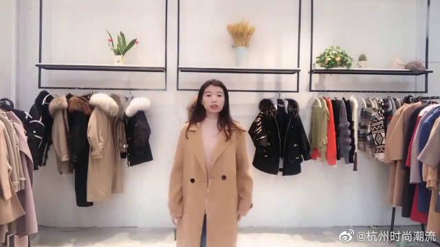 30秋冬流行穿搭,简约时尚的毛呢大衣,时髦又保暖绝对美翻了