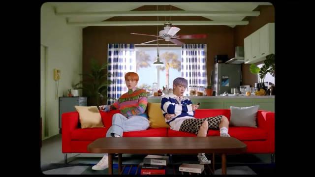 EXO-SC吴世勋朴灿烈新歌《Telephone(Feat. 10CM)》MV上线!