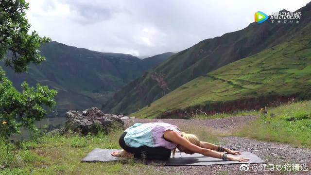15分钟瑜伽训练,专门针对手臂赘肉,快速燃掉脂肪,纤长手臂