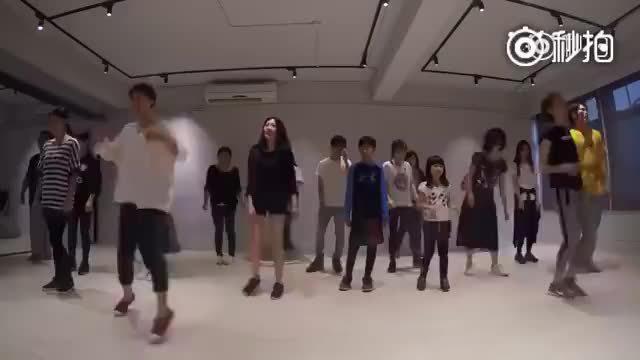 《太阳的后裔》主题曲改编的舞蹈……