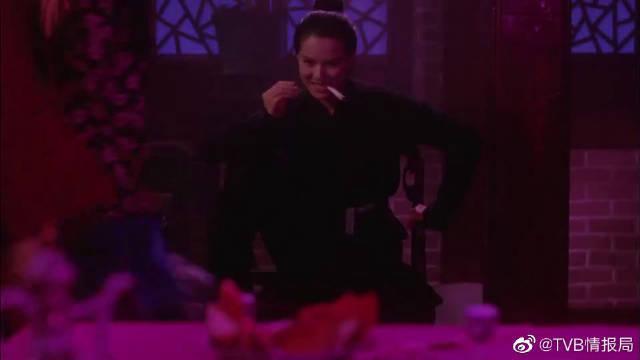 周星驰和李若彤一起跳舞?怕是星爷都被撩动心了!