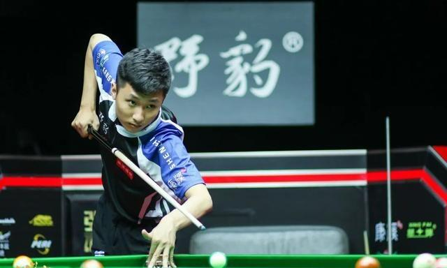 刘海涛21 - 18赢下决胜战,大比分2-1淘汰张广豪,跻身踢馆赛决赛