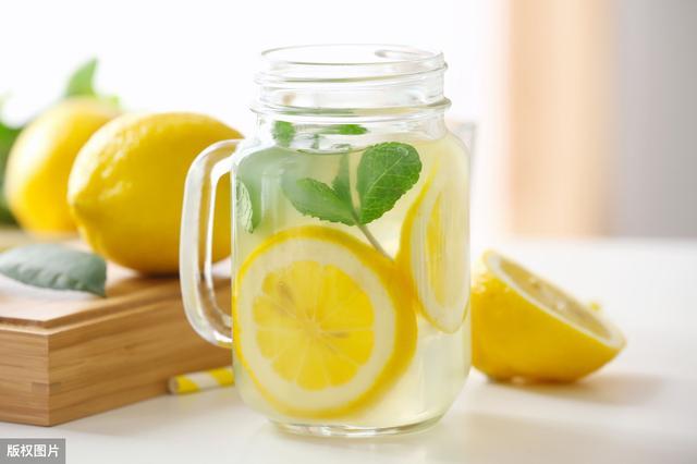 夏天容易缺水,不爱喝白开水的可以试试喝它,好喝还能美白养颜