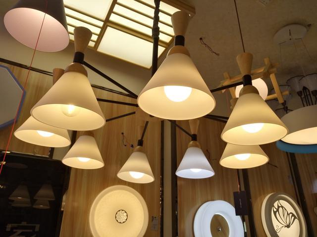 外观都差不多,几十块钱和几百块钱的LED灯,到底有什么不同?